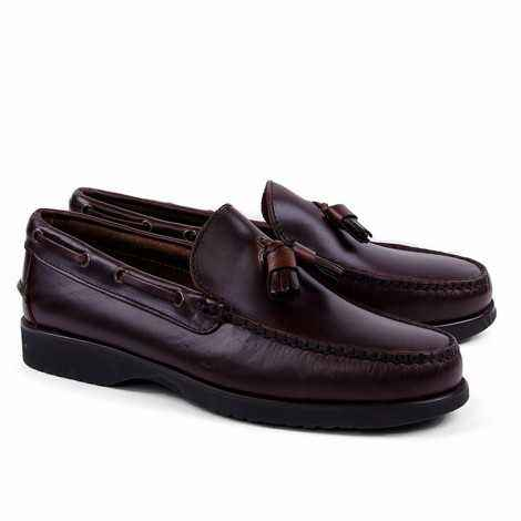 Tassel Loafer in Brown Leather