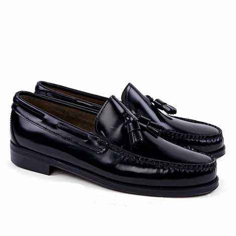 Tassel Loafer in Black Leather