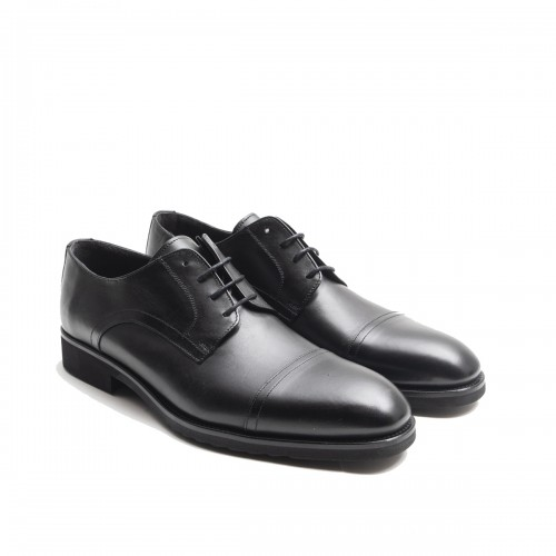 Derby shoes in black leather