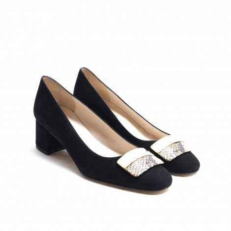 Ornamental Heel Shoe