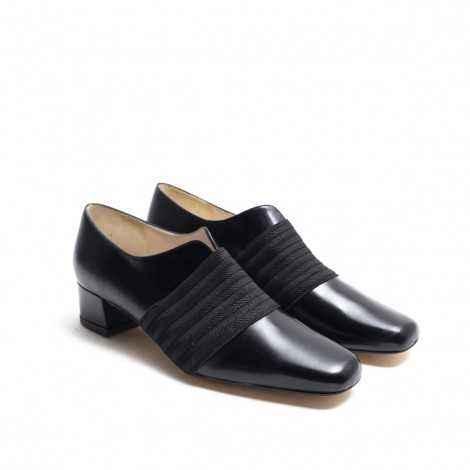 Elastic Band Shoe