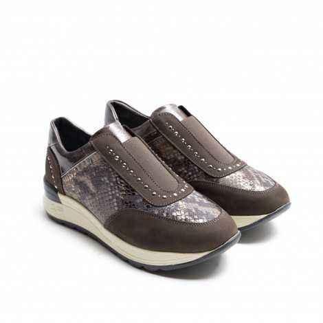 24 Horas´s Sneaker