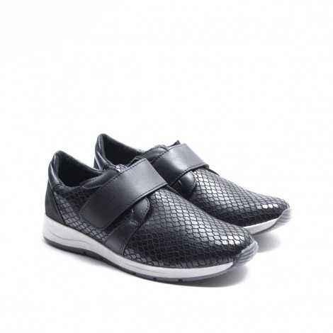 Velcro Band Sneaker